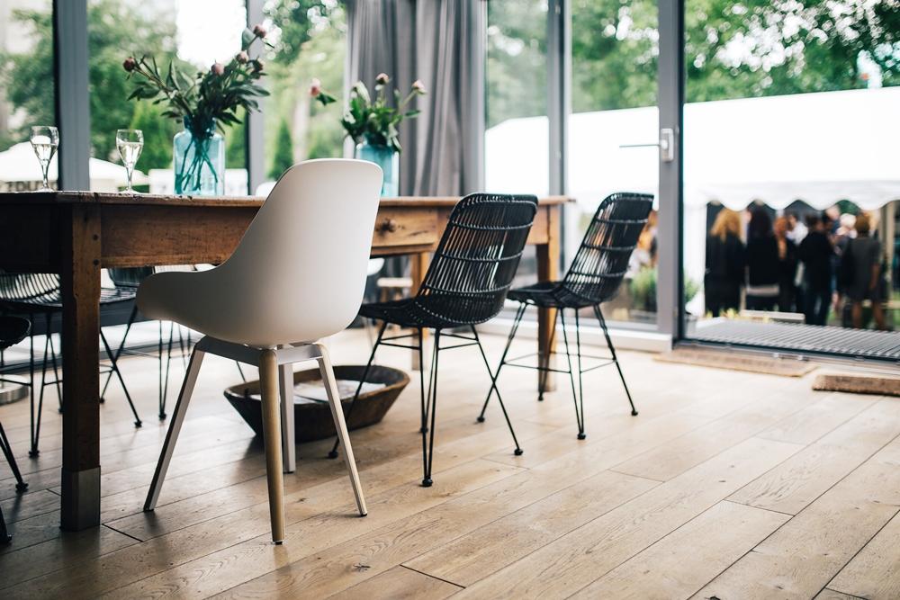 warto kupić drewniany stół Czy warto kupić drewniany stół?