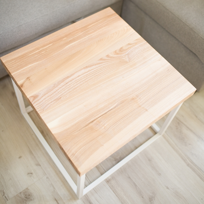biurko debowe007 1 Chowany stolik kawowy z jesionu