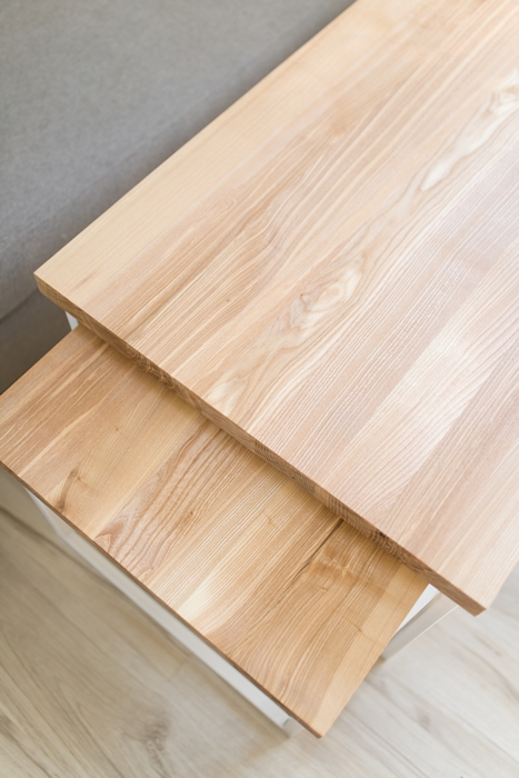 biurko debowe015 1 Chowany stolik kawowy z jesionu