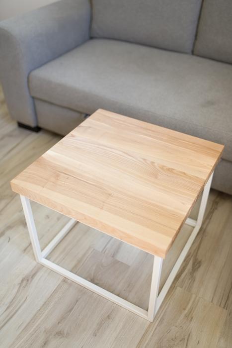 biurko debowe018 1 Stolik kawowy kubik z jesionu
