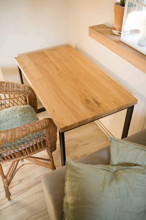 biurko debowe018 Bardzo rustykalne biurko z dębu