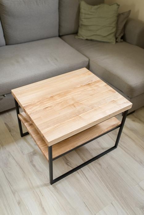 stolikjesionowyzpolka008 Rustykalny stolik kawowy z jesionu z półką