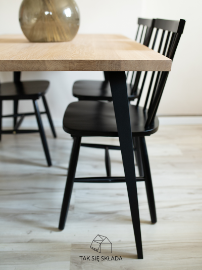 produkt stół industrialny ze skośnymi nogami WI